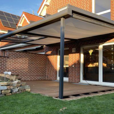 Terrassenüberdachung mit Unterbaumarkise