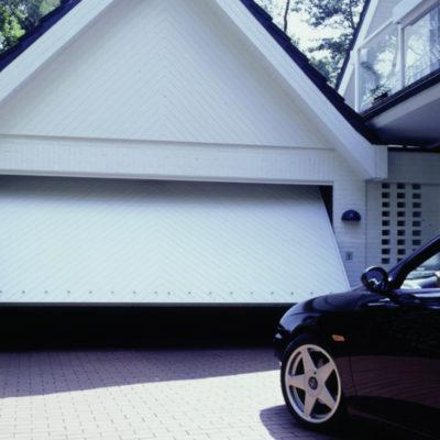 Schwingtor für die Garage von CarTeck