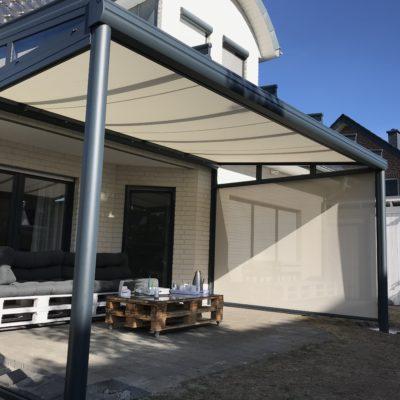Terrassendach mit Unterbau-Markise