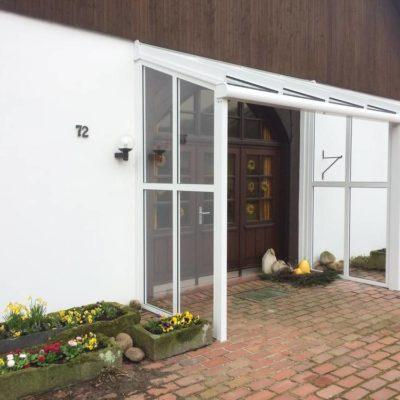 Terrassendach als Haustürvordach